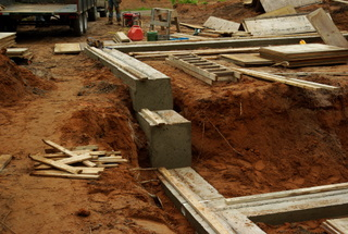 Setting up foundation forms for a new home