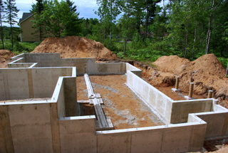 A picture of a poured foundation after the forms have been removed